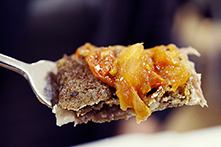 Galette italienne, chèvre, jambon cru, concassé de tomates maison, basilic